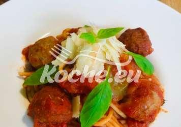 Capellini mit überbackenen Hackfleischbällchen in Fenchel-Tomatensauce