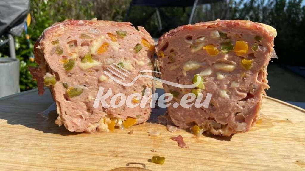 Pizza-Leberkas im Bacon-Mantel
