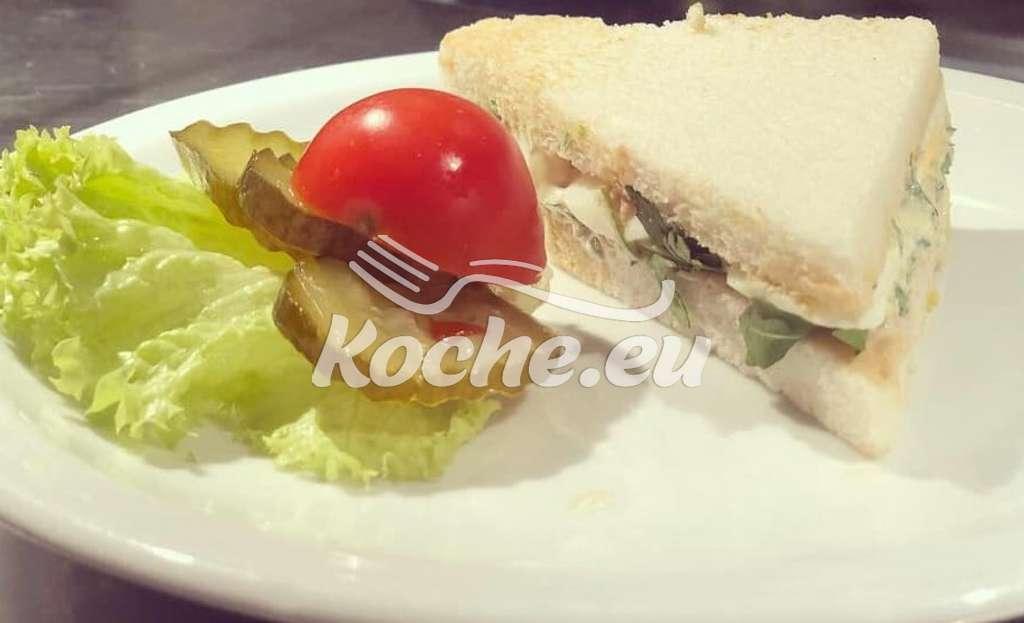 Tramezzini mit Kraüter - Ei